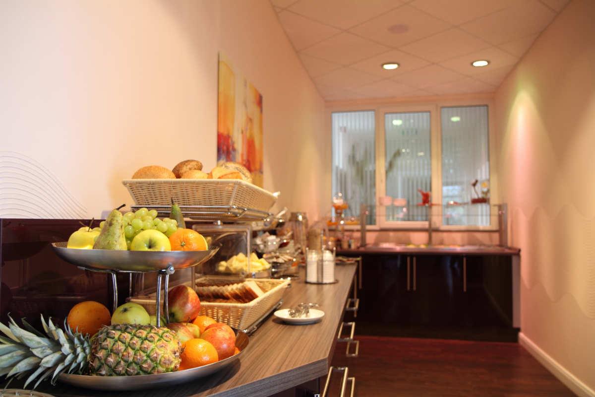 Frühstücksbuffet - Hotel Adena Bremerhaven